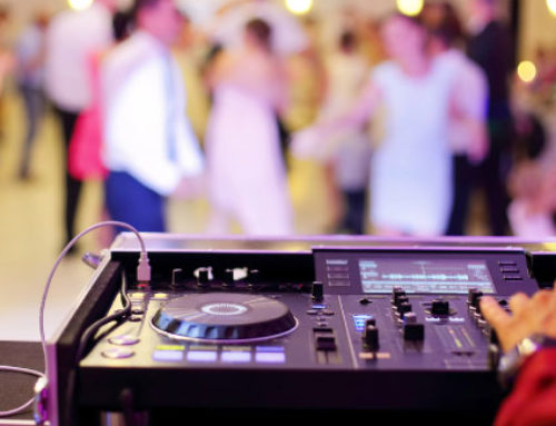 How to Choose your Wedding DJ